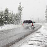 Jak przygotować się do podróży z dziećmi zimą.
