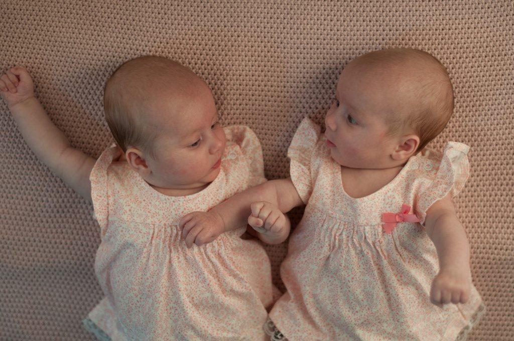 Usypianie bliźniaków.